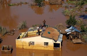 Cyclone Idai devastates Mozambique