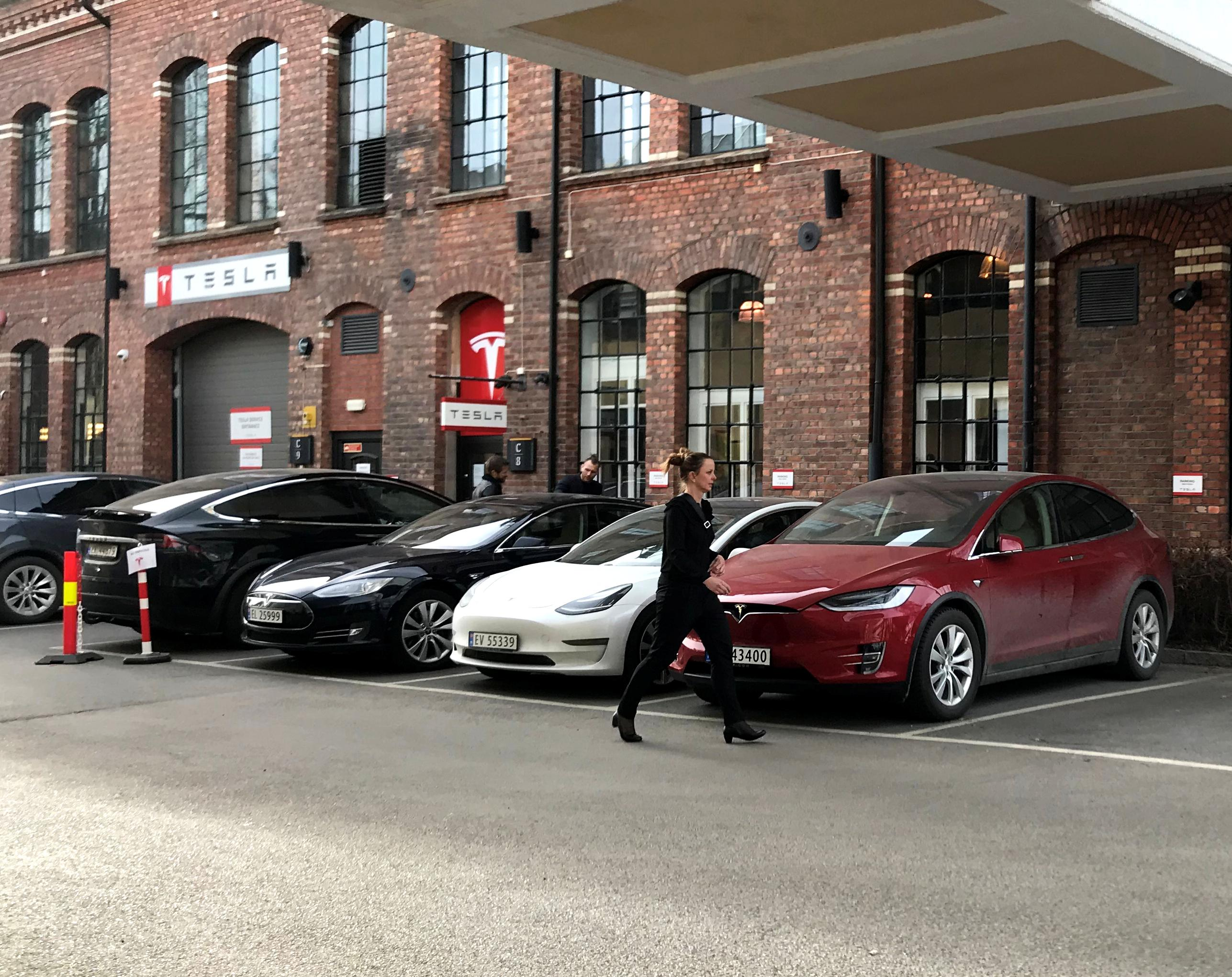 Tesla boom lifts Norway's electric car sales to record