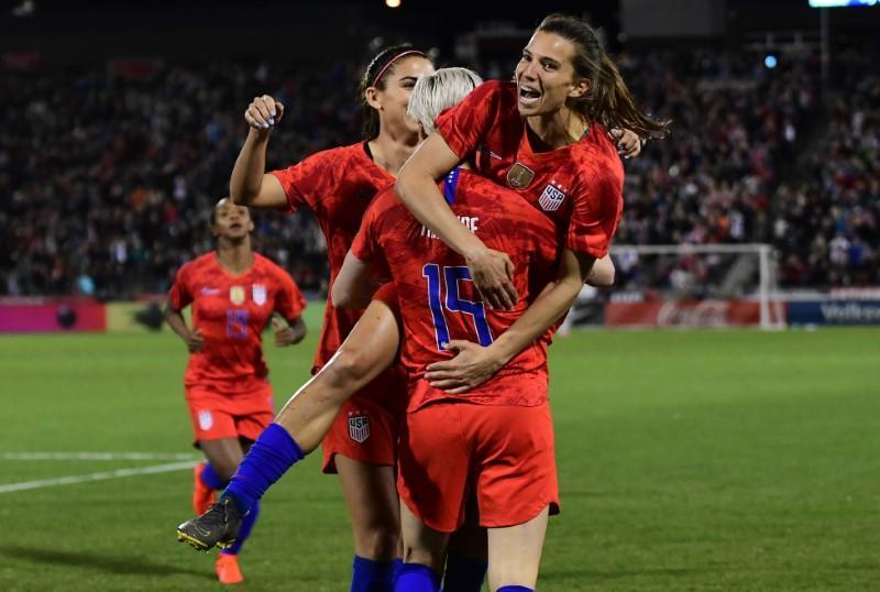 premium selection d66fc 609c9 Soccer: Morgan nets 100th goal as USWNT tops Australia - Reuters