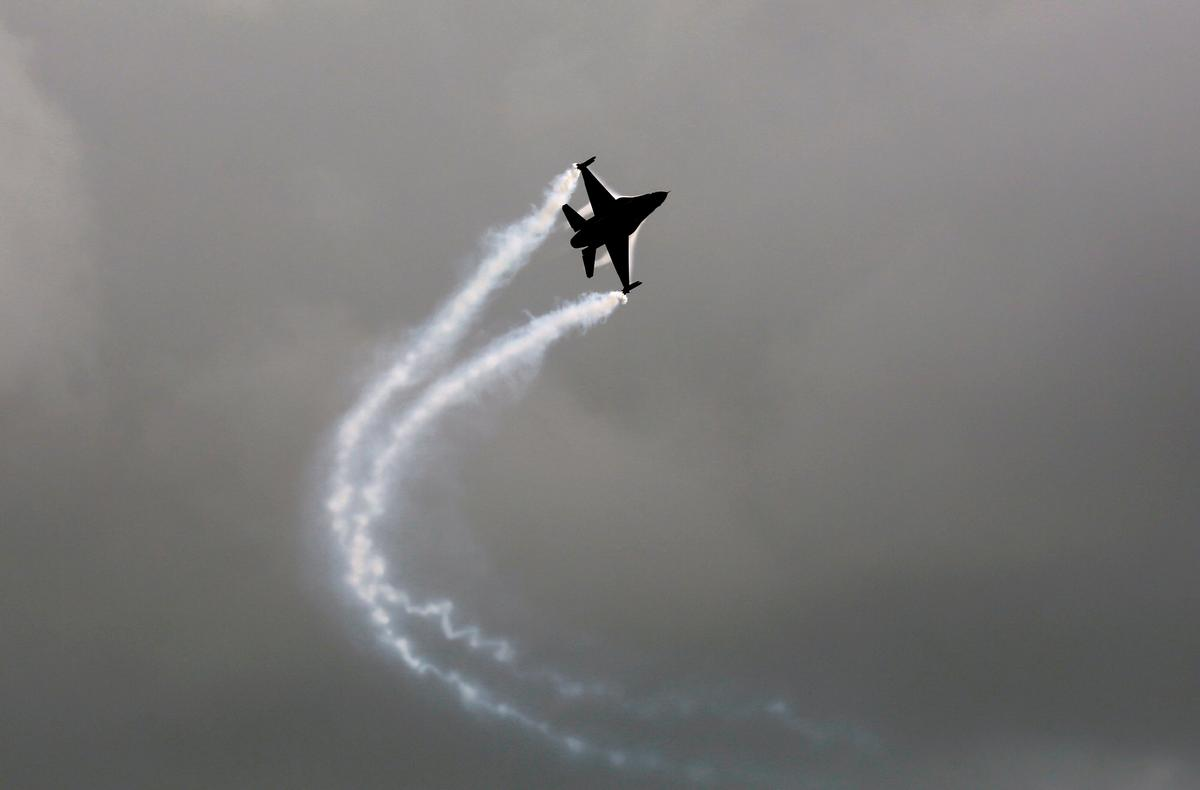 Report says U.S. count shows no Pakistan F-16s shot down in Indian battle
