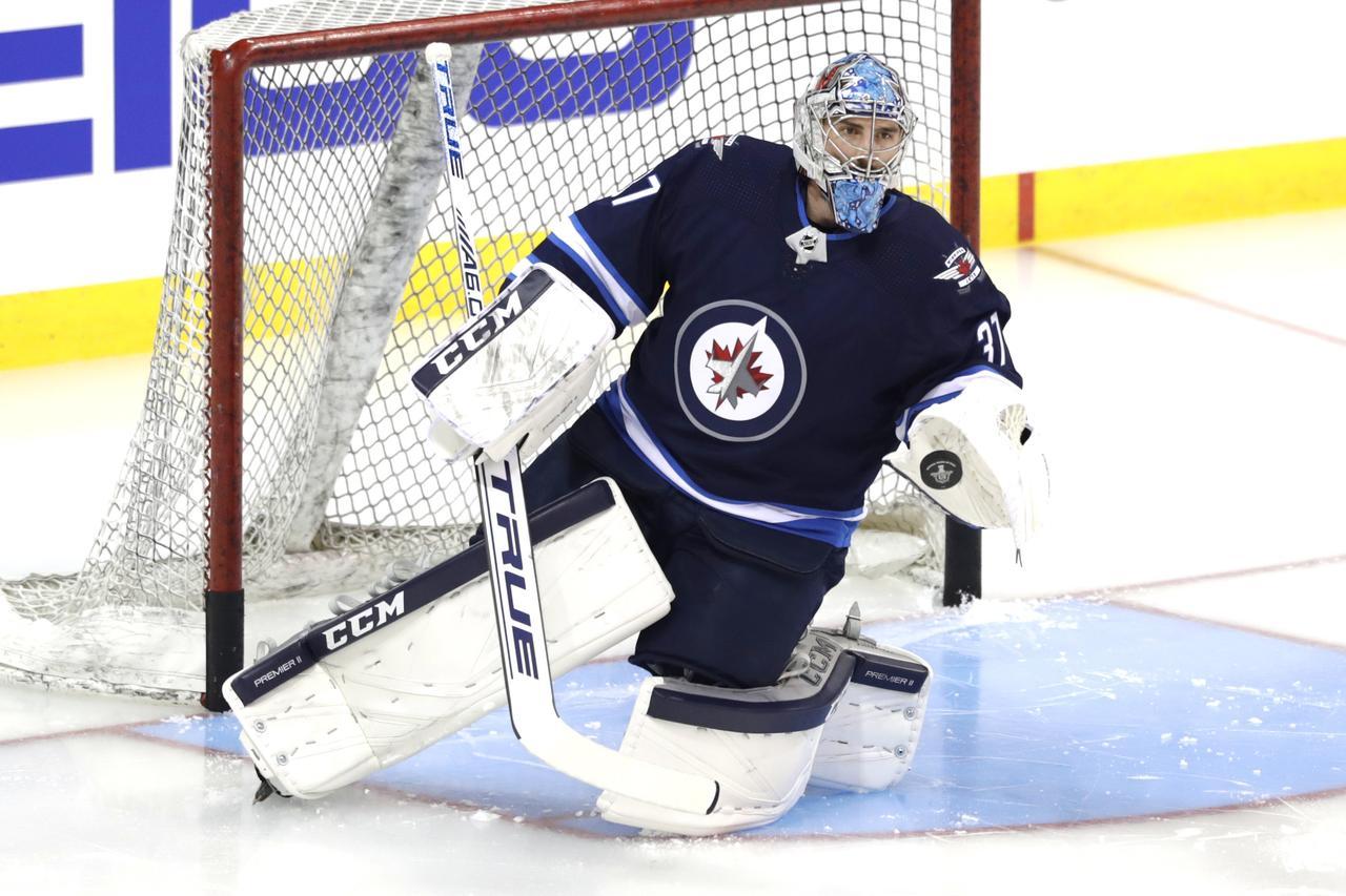 3efd1fd5ba3 Blues stun Jets to take Game 1 - Reuters