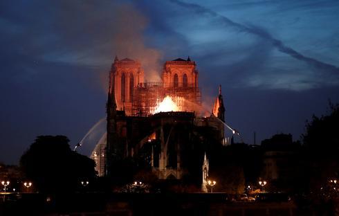 Notre-DameCathedral burns