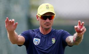 South Africa sweat on injured Steyn for World Cup