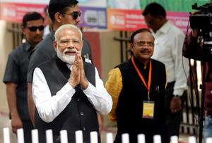 Modi files nomination papers