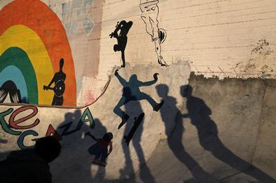 'Gaza skate team' hits the streets