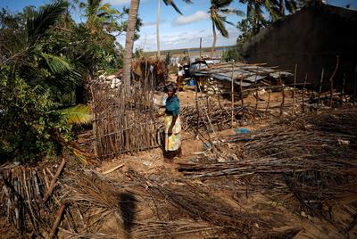 Deadly cyclone hits Mozambique