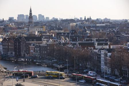 City of Amsterdam to ban polluting cars from 2030