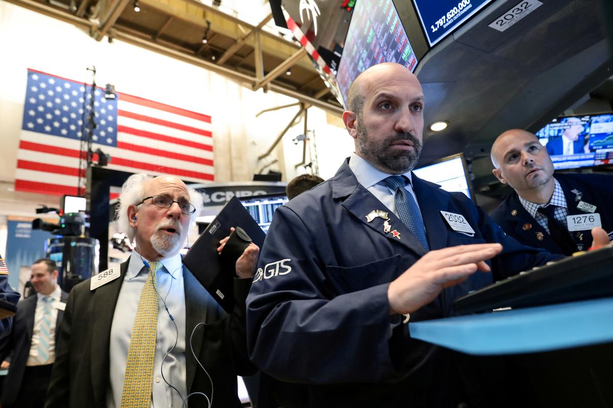Wall St. opens lower as trade worries keep investors on sidelines