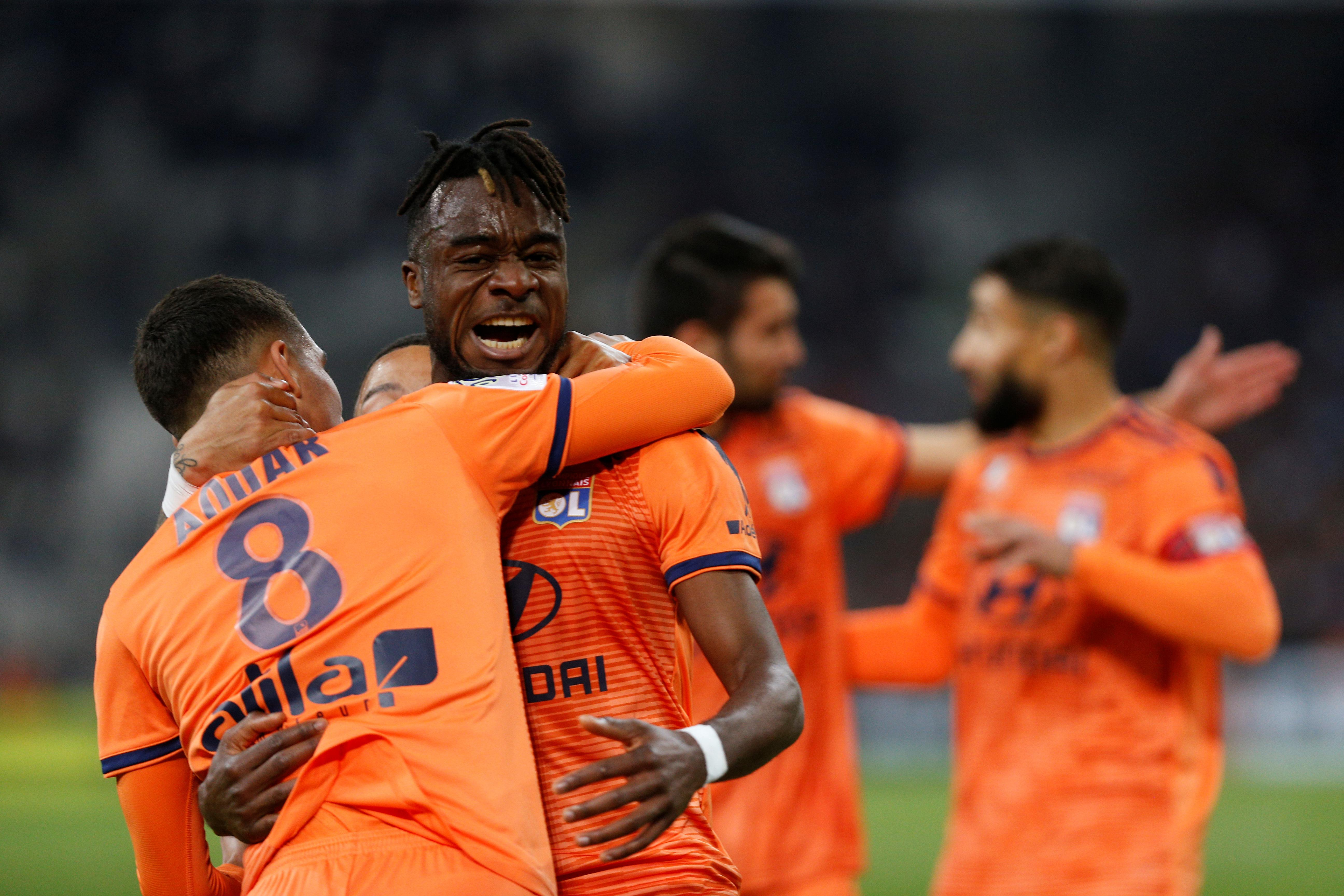Lyon close in on top-three finish with Marseille rout