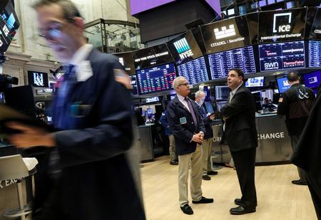 Global stocks bounce back as Trump downplays U.S.-China trade fight