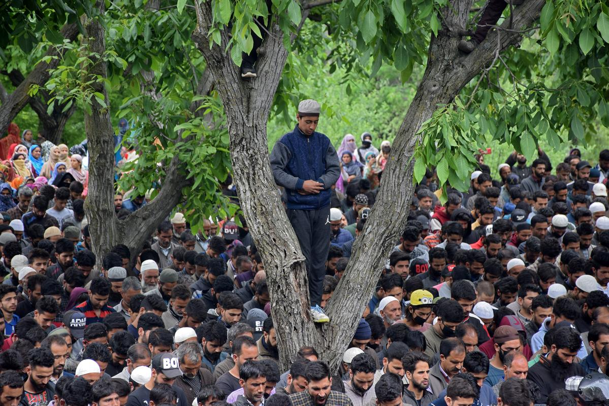 Nine killed in gun battles in Indian-controlled Kashmir