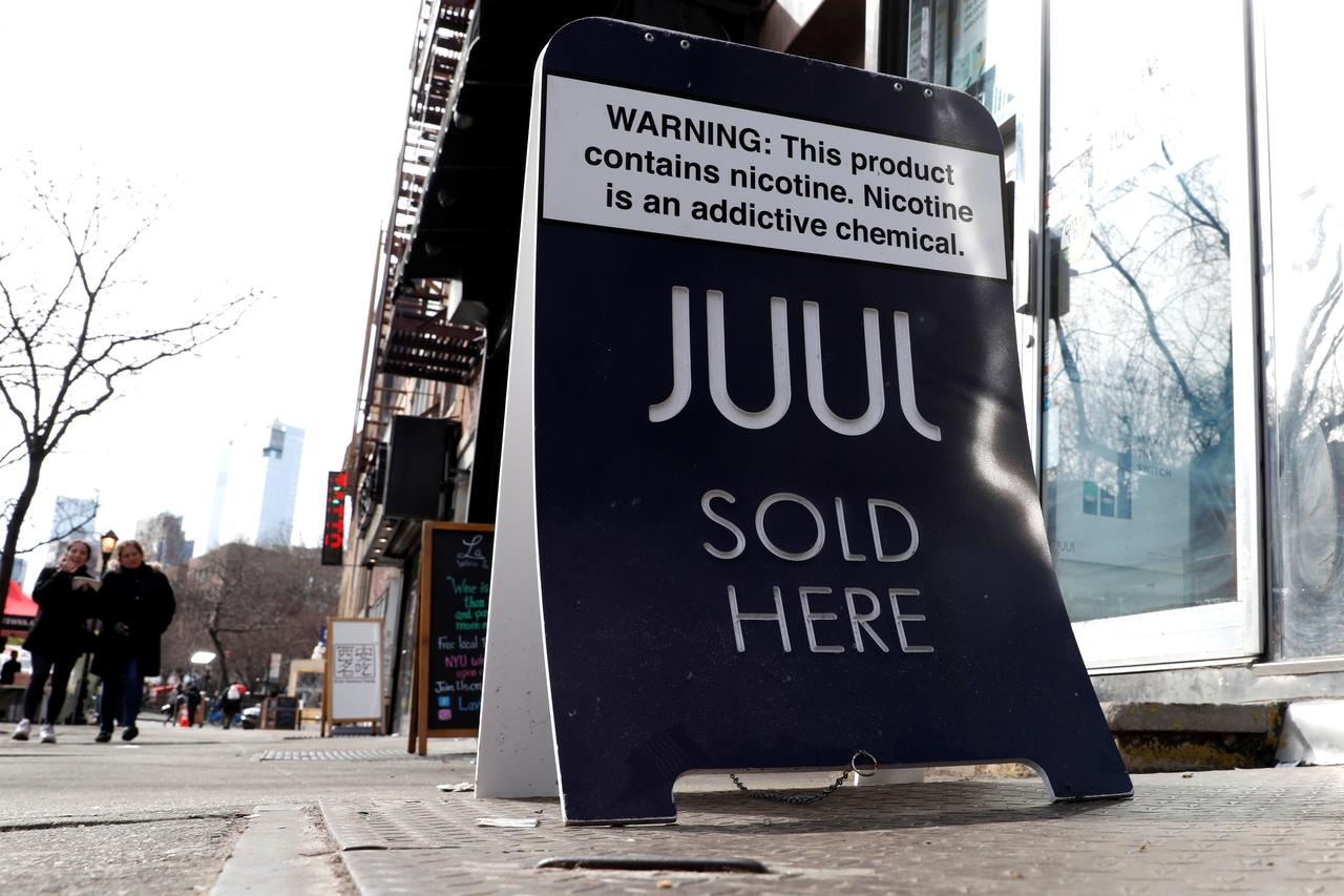 Teens made up most of e-cigarette maker Juul's Twitter