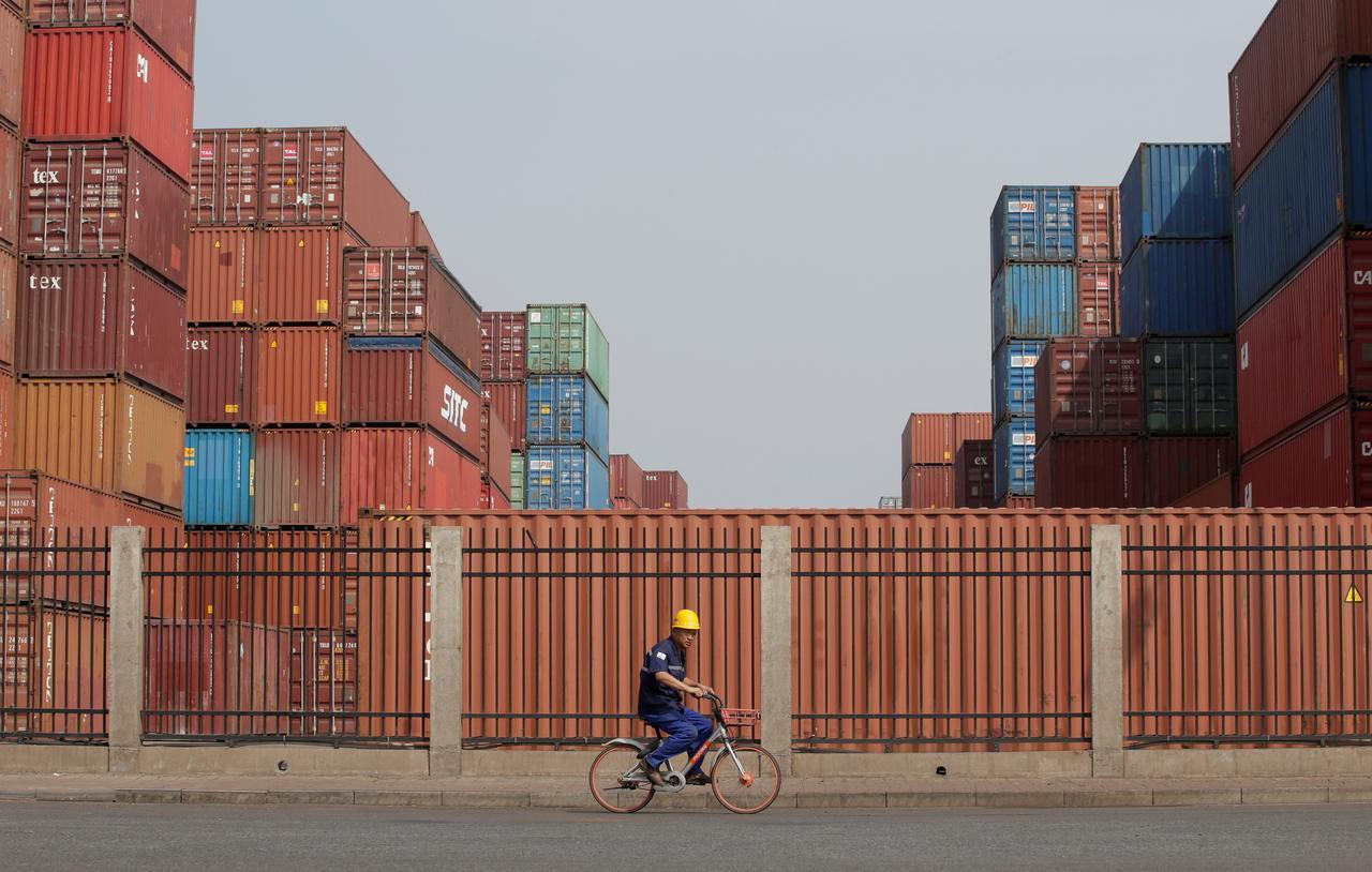 Full-blown trade war will push world toward recession