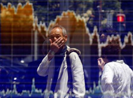Asia stocks flat as trade worries linger, Europe to open higher