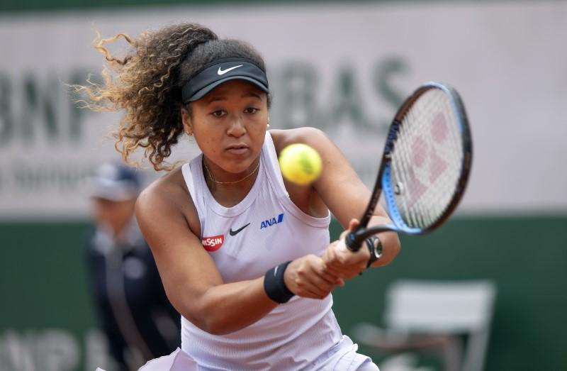 Osaka flirts with early exit as top players struggle at French Open
