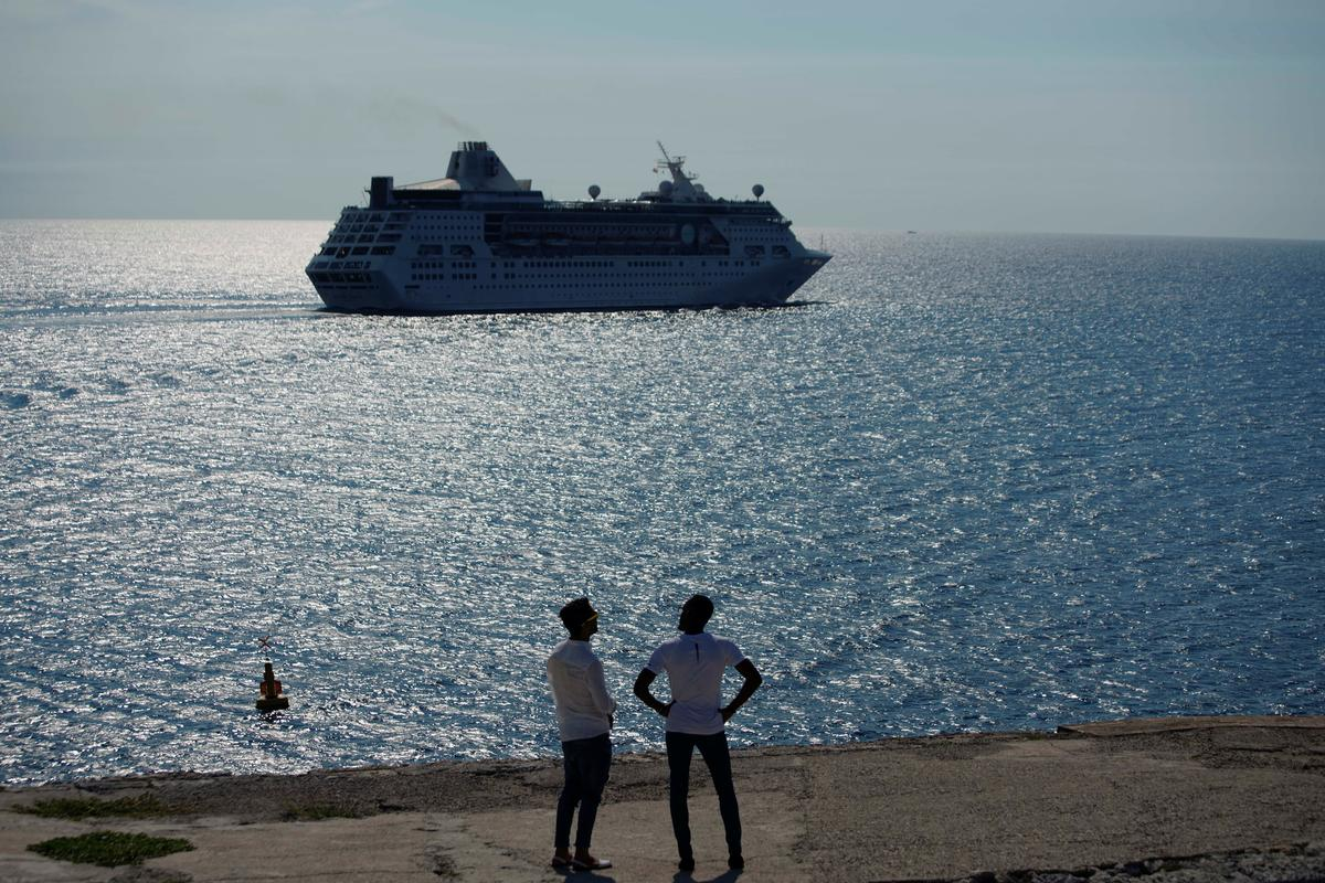 U.S. cruise operators stop sailing to Cuba, travelers vent anger online
