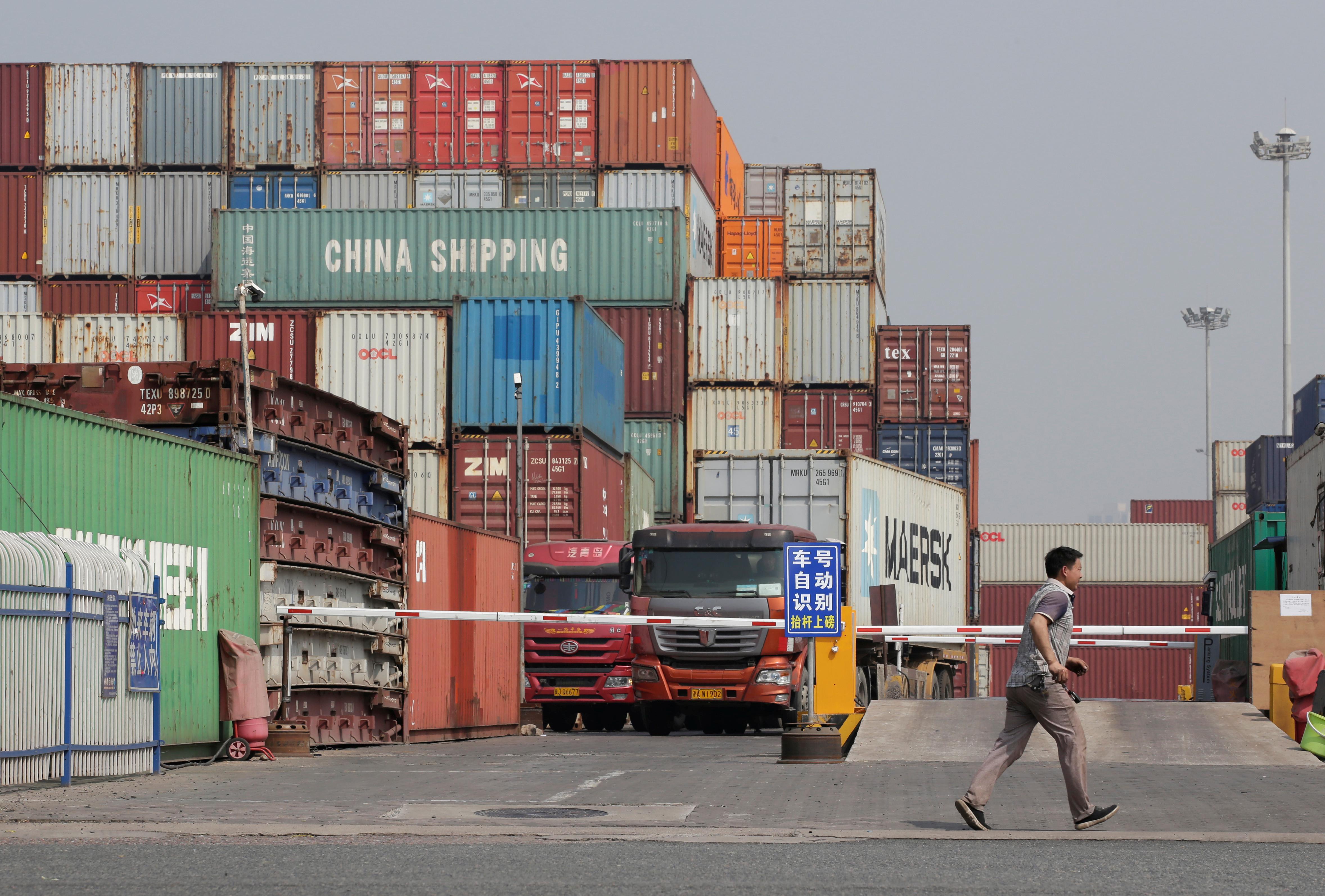 Trump to decide on $300 billion China tariffs after G20 meeting