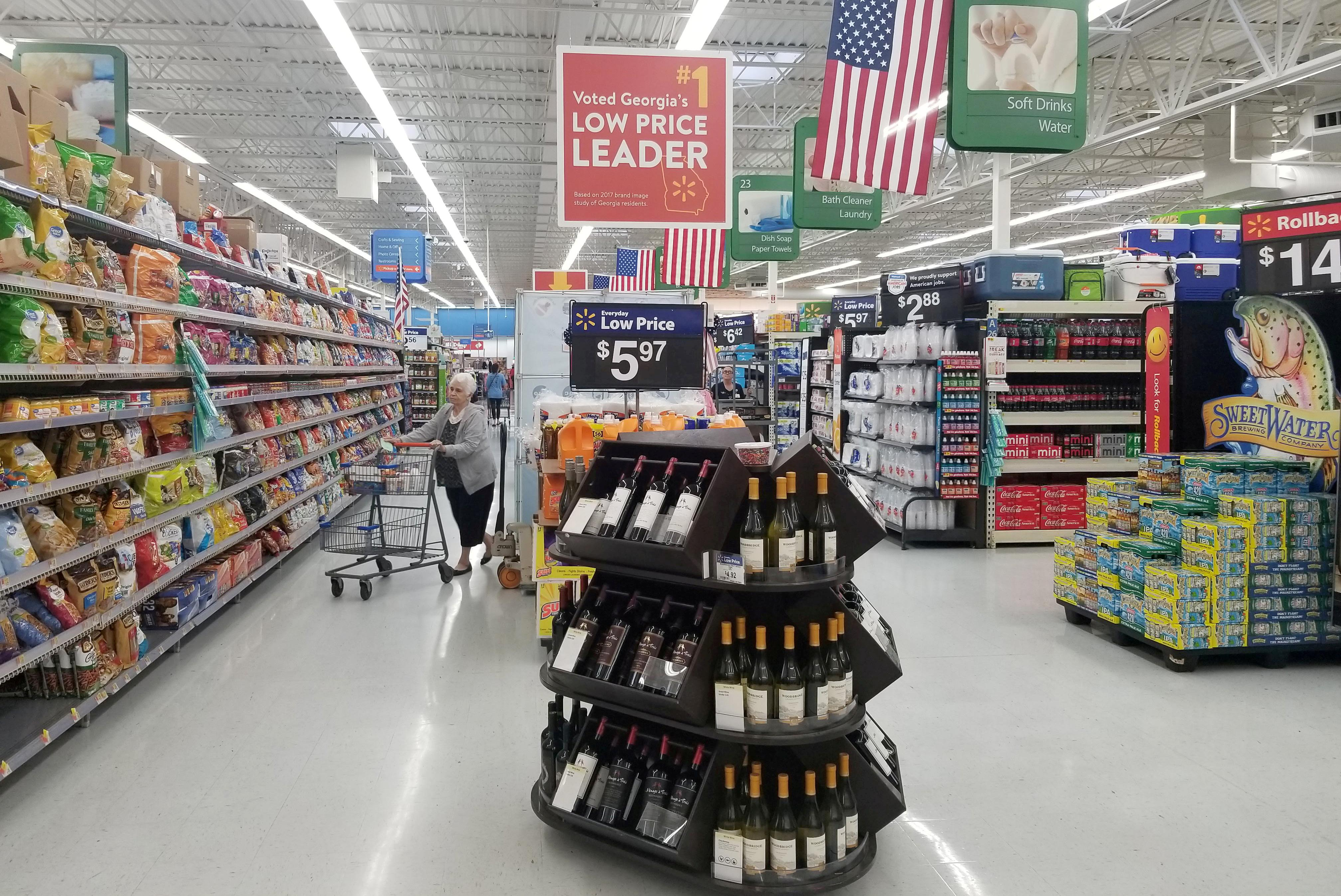 U.S. retailers' halting outlook reveals scale of tariff fear