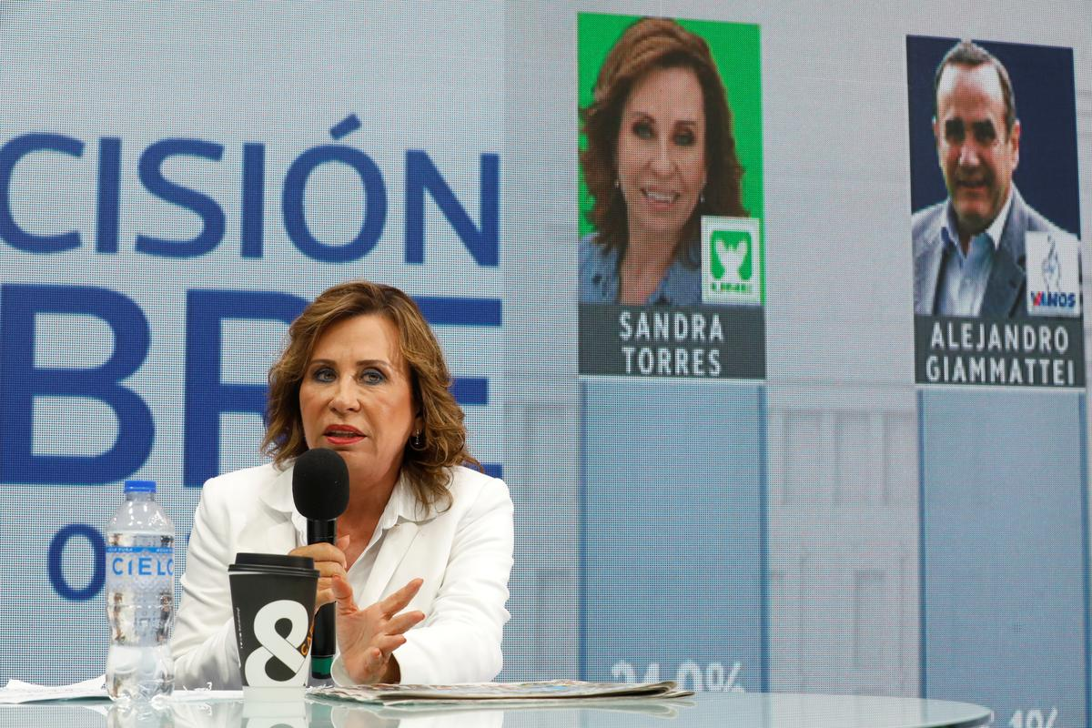 Guatemala ex-first lady faces battle for presidency after first round win