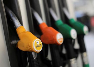 コラム:投機筋が原油売り攻勢、リスクバランスに変化