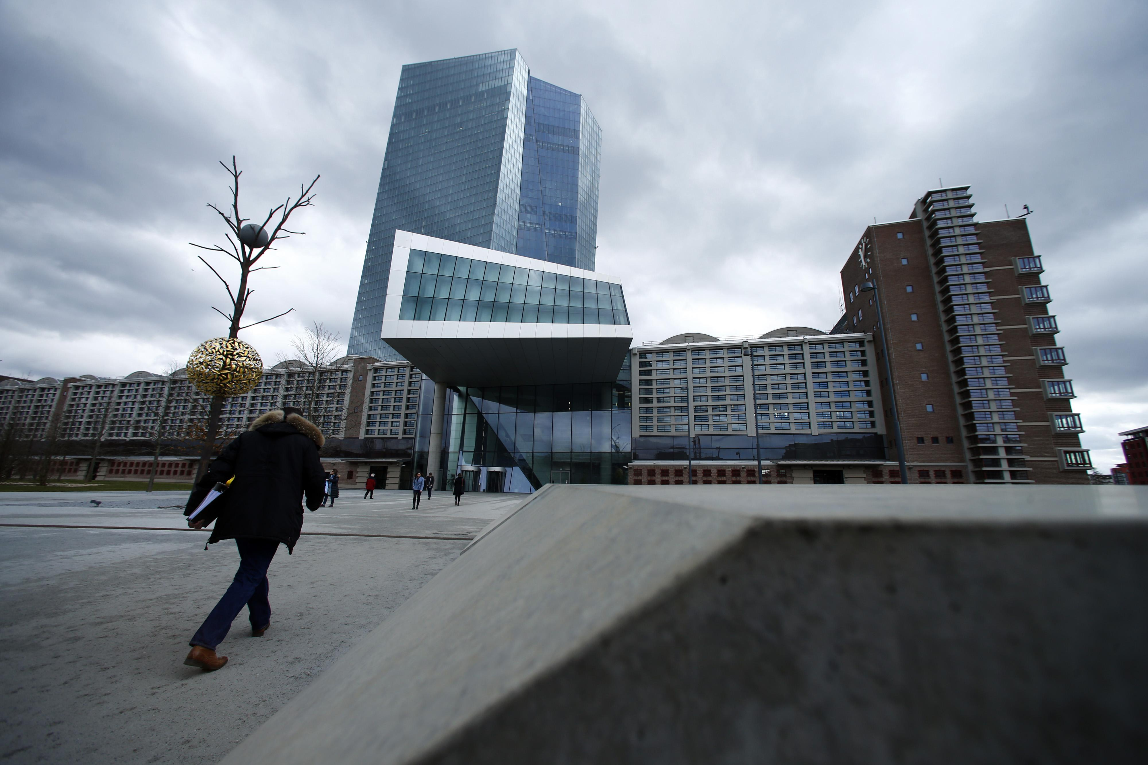 Risks are tilted to downside and ECB will act if they materialize: de Guindos