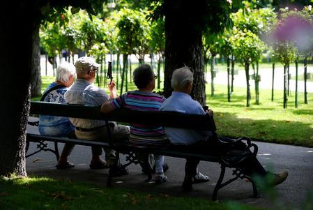 Column: U.S. legislation will help retirement security, but bigger steps are needed