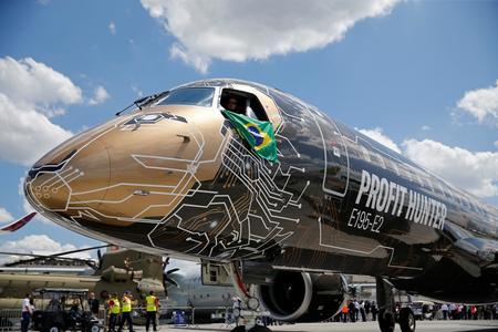 KLM signs preliminary deal for 15 Embraer E195-E2 planes