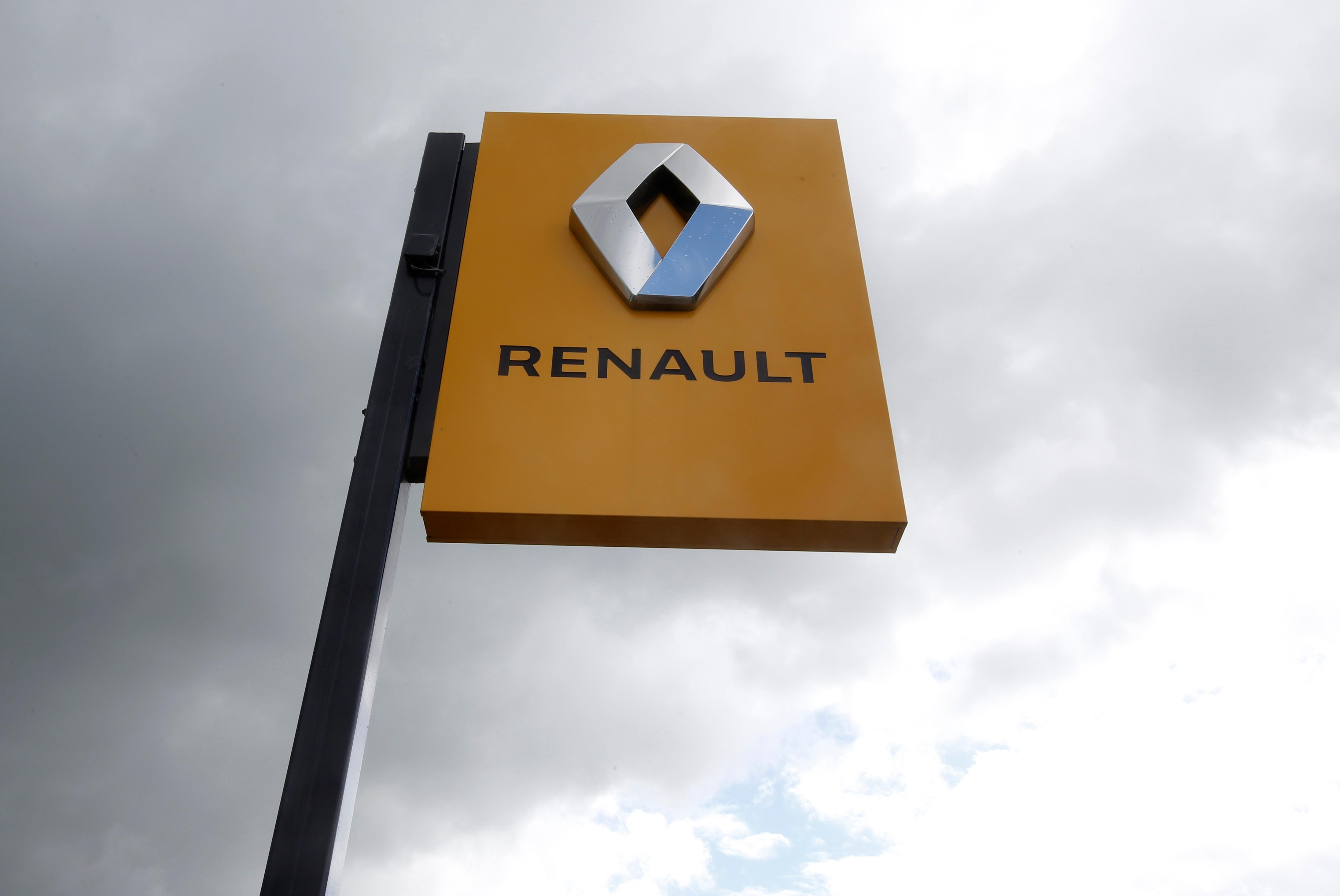 Renault will vote to back Nissan's move to give it boardroom seats