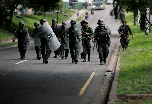 Honduran president sends military to keep order after
