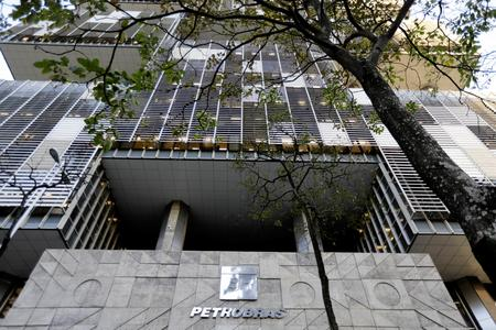 Brazil's Petrobras pays $700 million to Vantage Drilling after court decision