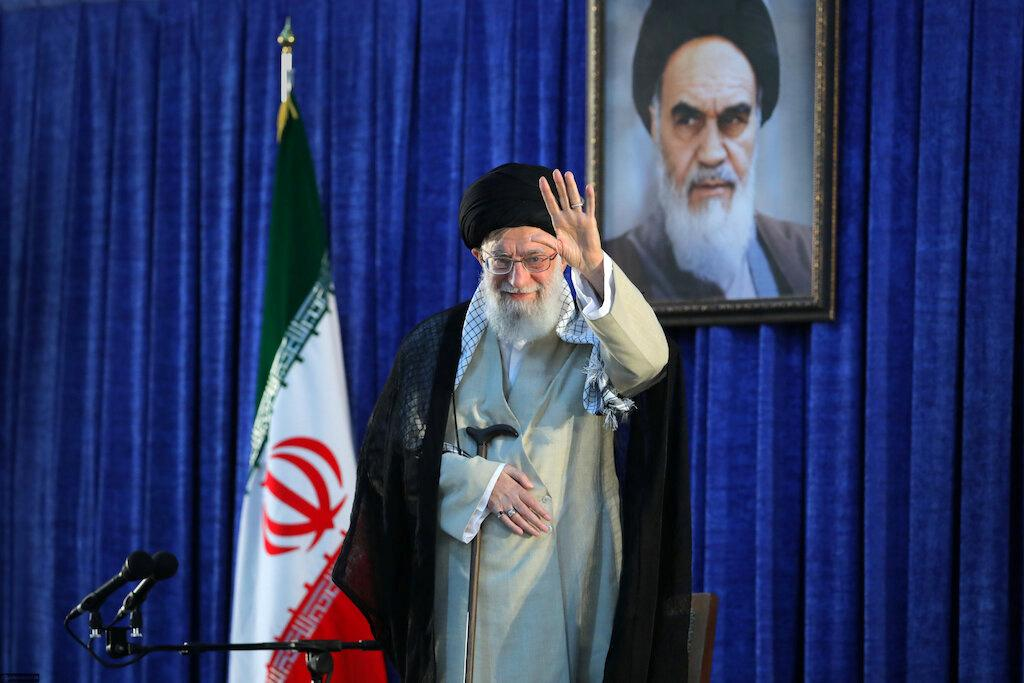 Trump threatens 'obliteration' as Iran condemns sanctions on Khamenei