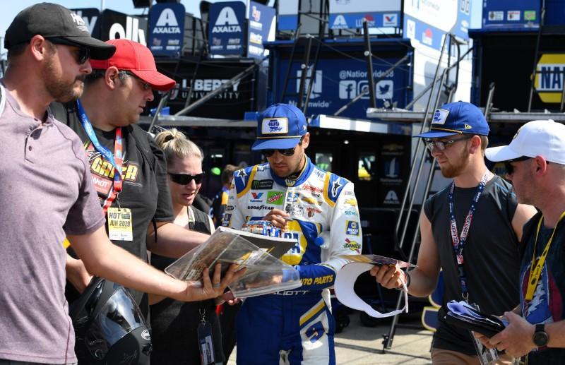Carnet NASCAR: Truex Jr., Busch savourent une rivalité amicale