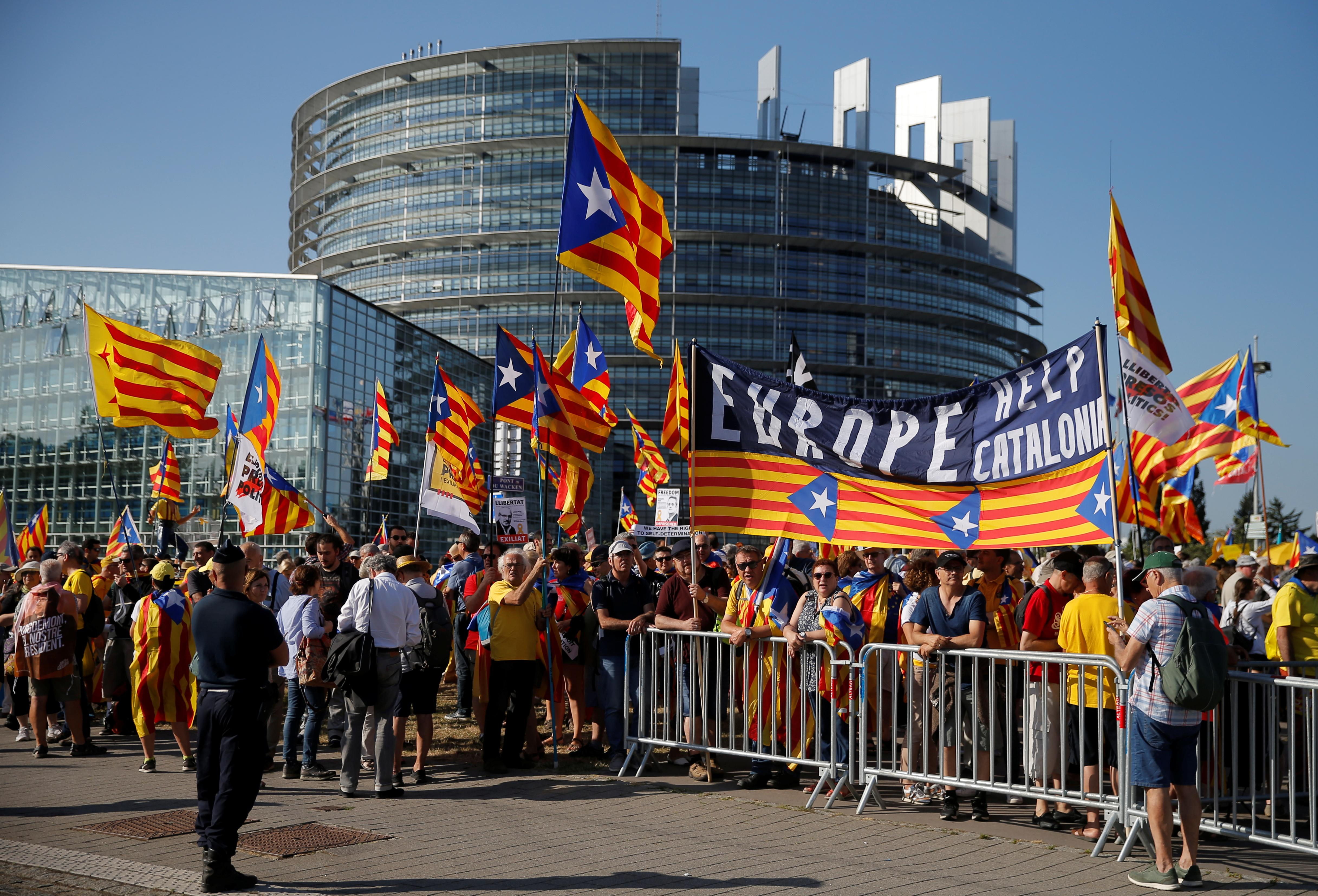 European Parliament kicks off new term with protests, more women