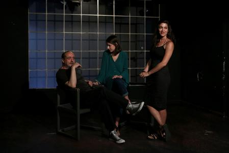 Plight of young Greek jobless plays out on stage