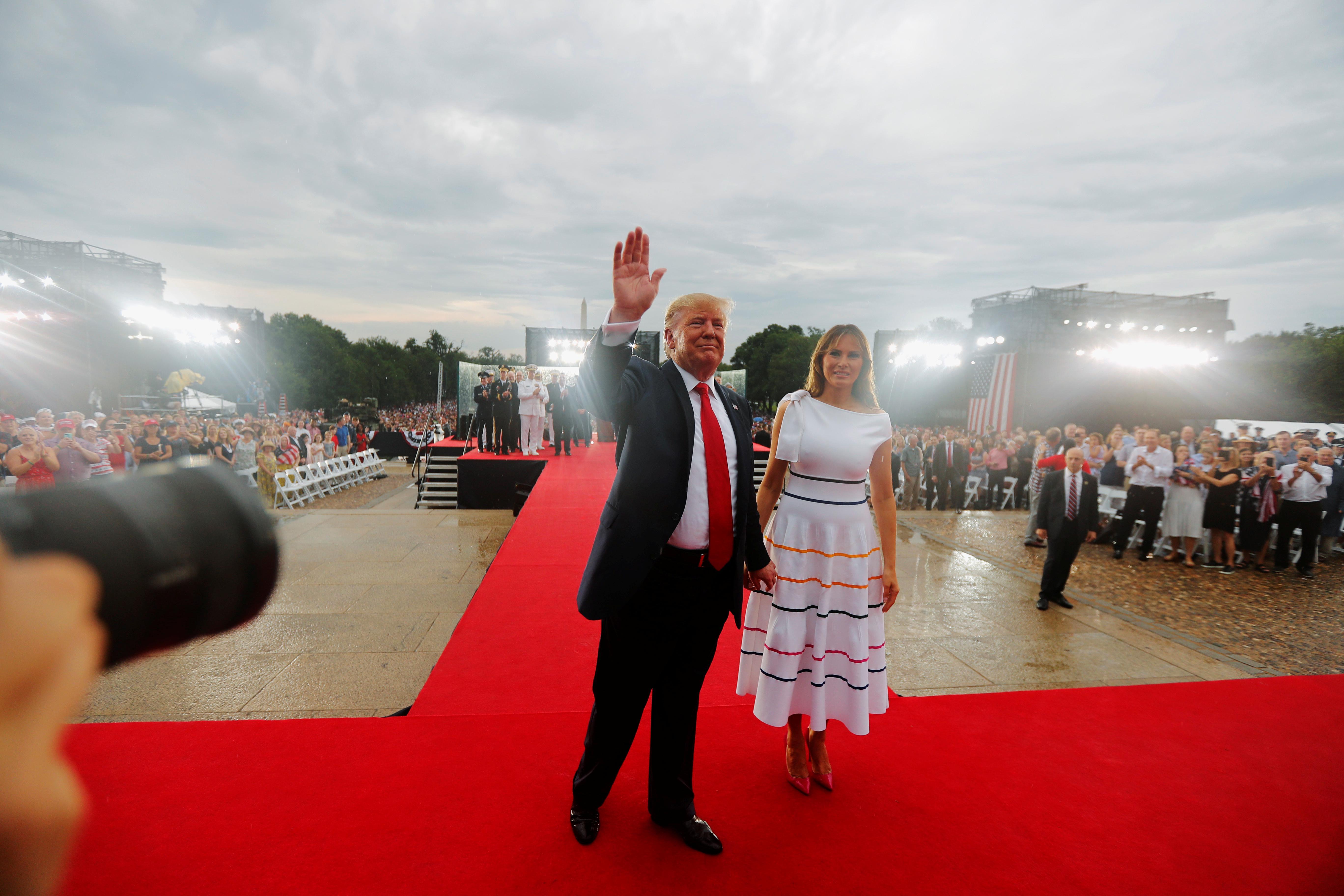 Avec pompe et survols, Trump embrasse l'armée dans le salut du 4 juillet