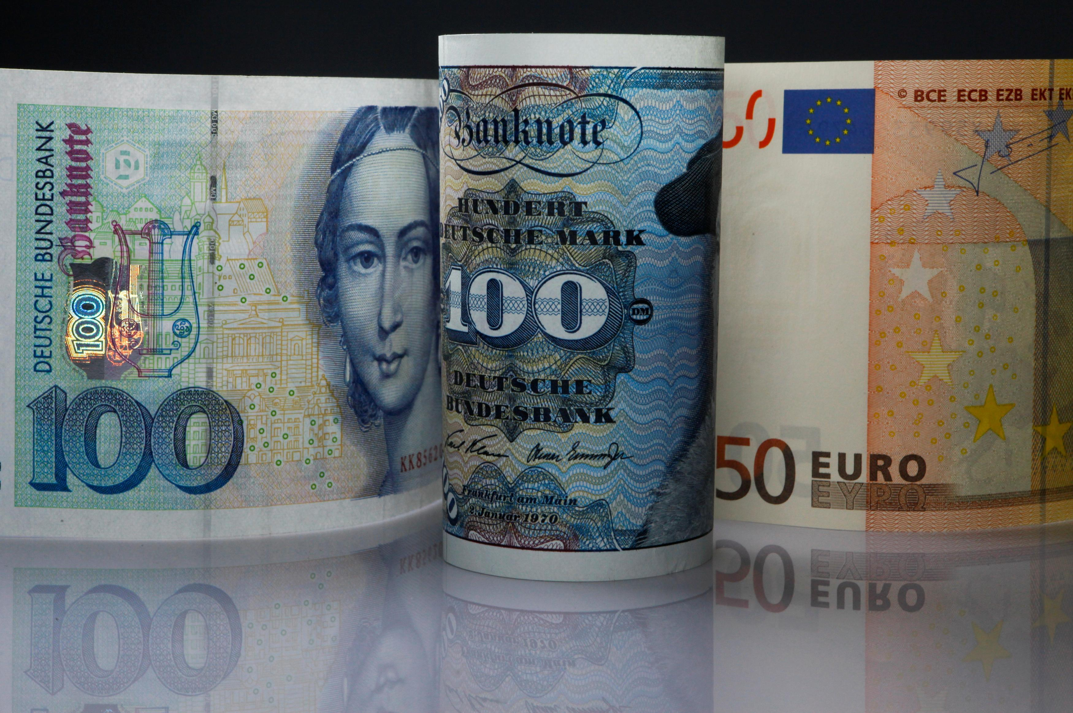 Cash still king for Germans, despite five years of zero rates
