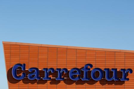 French retailer Carrefour forms home delivery partnership with Spain's Glovo