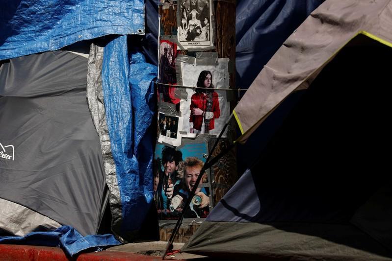 Factbox: Endless kiddie tunes to spikes in doorways - eight ways cities shun the homeless