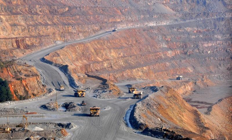 China copper smelters slash third quarter TC/RC floor, weigh