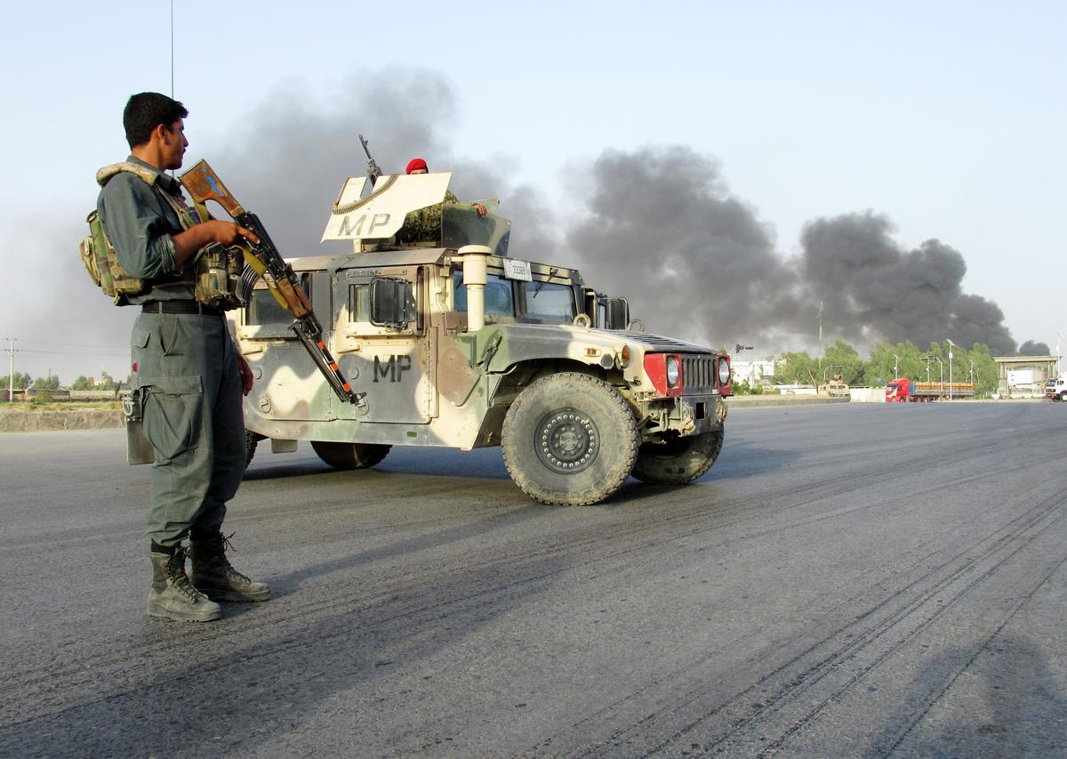 12 killed, scores wounded in Afghanistan Taliban car bombing