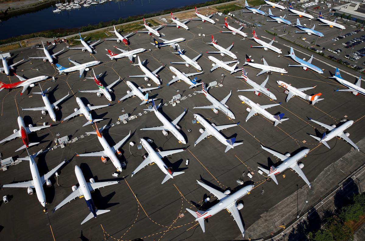 Southwest schedules without Boeing 737 MAX until Nov. 2, freezes pilot hiring