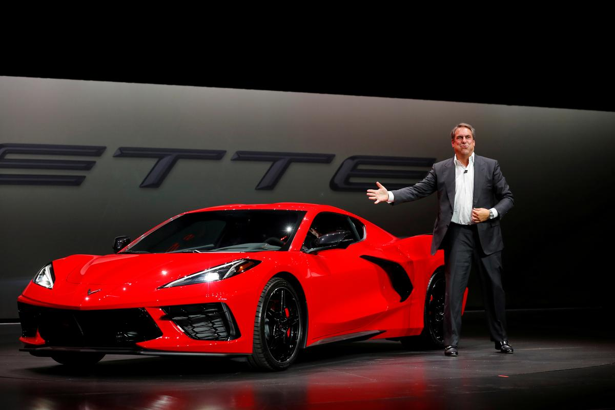 Gm S Mid Engine Corvettes Roar Onstage To Take On Europeans Reuters