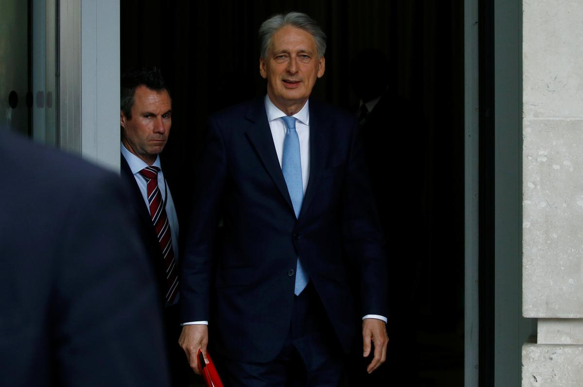 Hammond to quit over no-deal Brexit if Johnson become PM