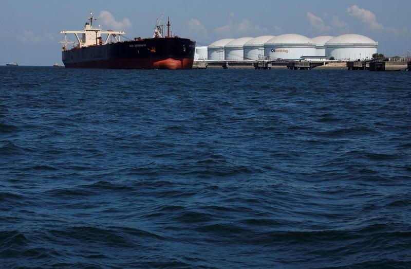 Singapore stocks up on low-sulfur fuel ahead of new shipping