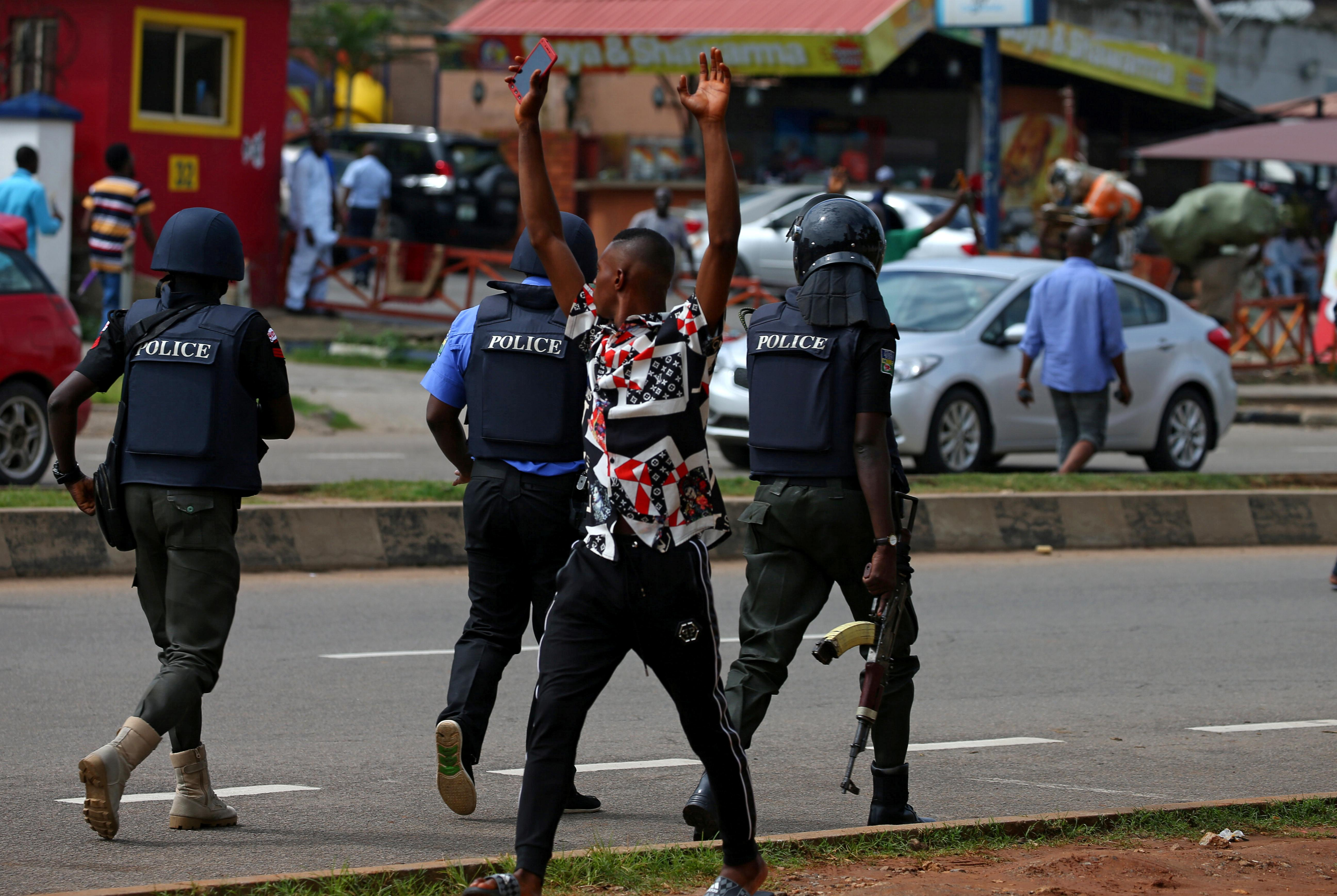 Shi'ite protesters clash with Nigeria military, police in Abuja