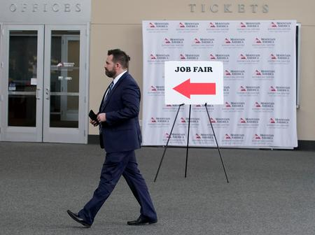 U.S. hiring cools; manufacturers reduce hours for workers