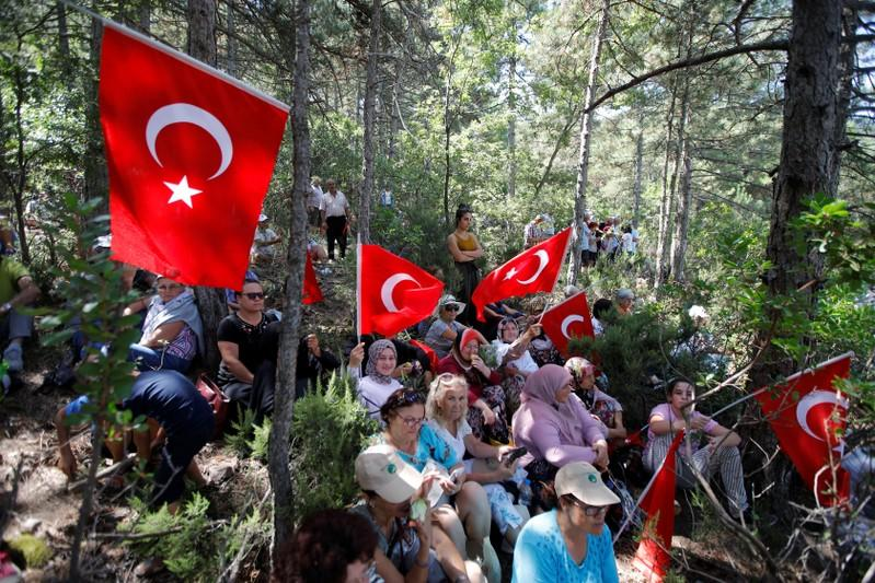 Don't come if you like gold': Turks march against planned