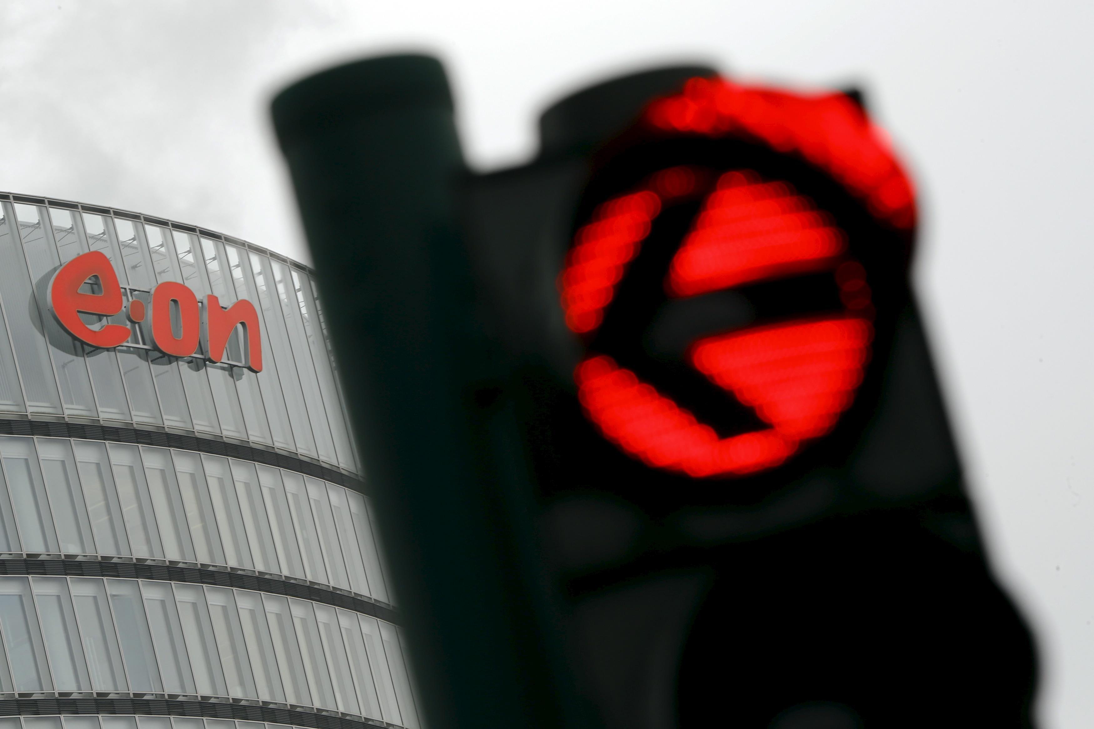 E.ON still sees value in Britain despite profit drop