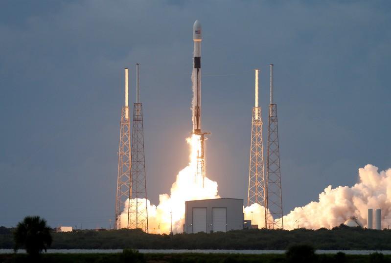 Israel se Amos-17-satelliet is besig om 'n wentelbaan na die lansering van SpaceX te teiken