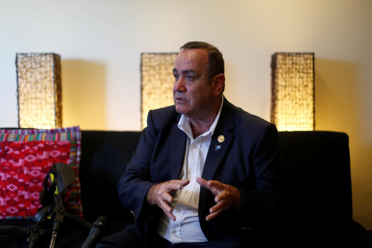 Next Guatemala leader seeks better U.S. migrant deal, hindered by split Congress